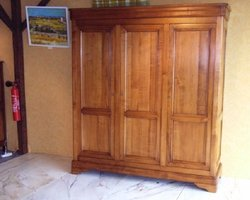 ARMOIRE STYLE LOUIS PHILIPPE